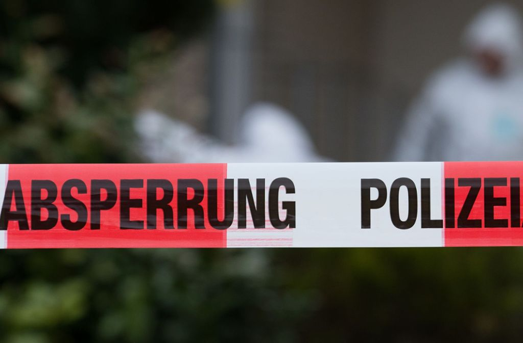 Die Polizei bezifferte den Sachschaden mit etwa 15 000 Euro. (Symbolbild) Foto: picture alliance