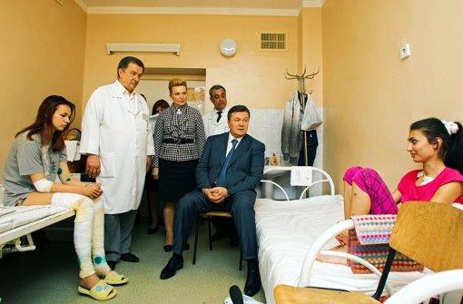 ukraine die suche nach den attent tern l uft auf hochtouren angela merkel stuttgarter zeitung. Black Bedroom Furniture Sets. Home Design Ideas