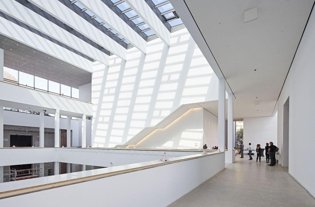 Das lichtdurchflutete Atrium der neuen Mannheimer Kunsthalle Foto: Kunsthalle