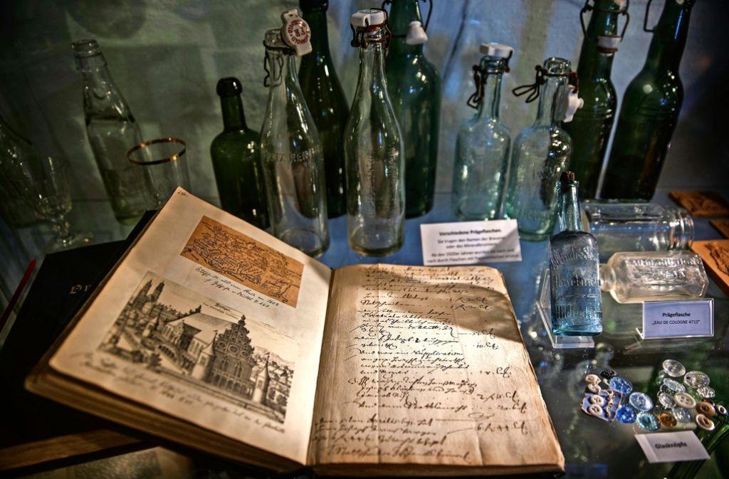 Welche Flaschen früher in Mode waren, auch das wird in Spiegelberg gezeigt. Foto: Stoppel