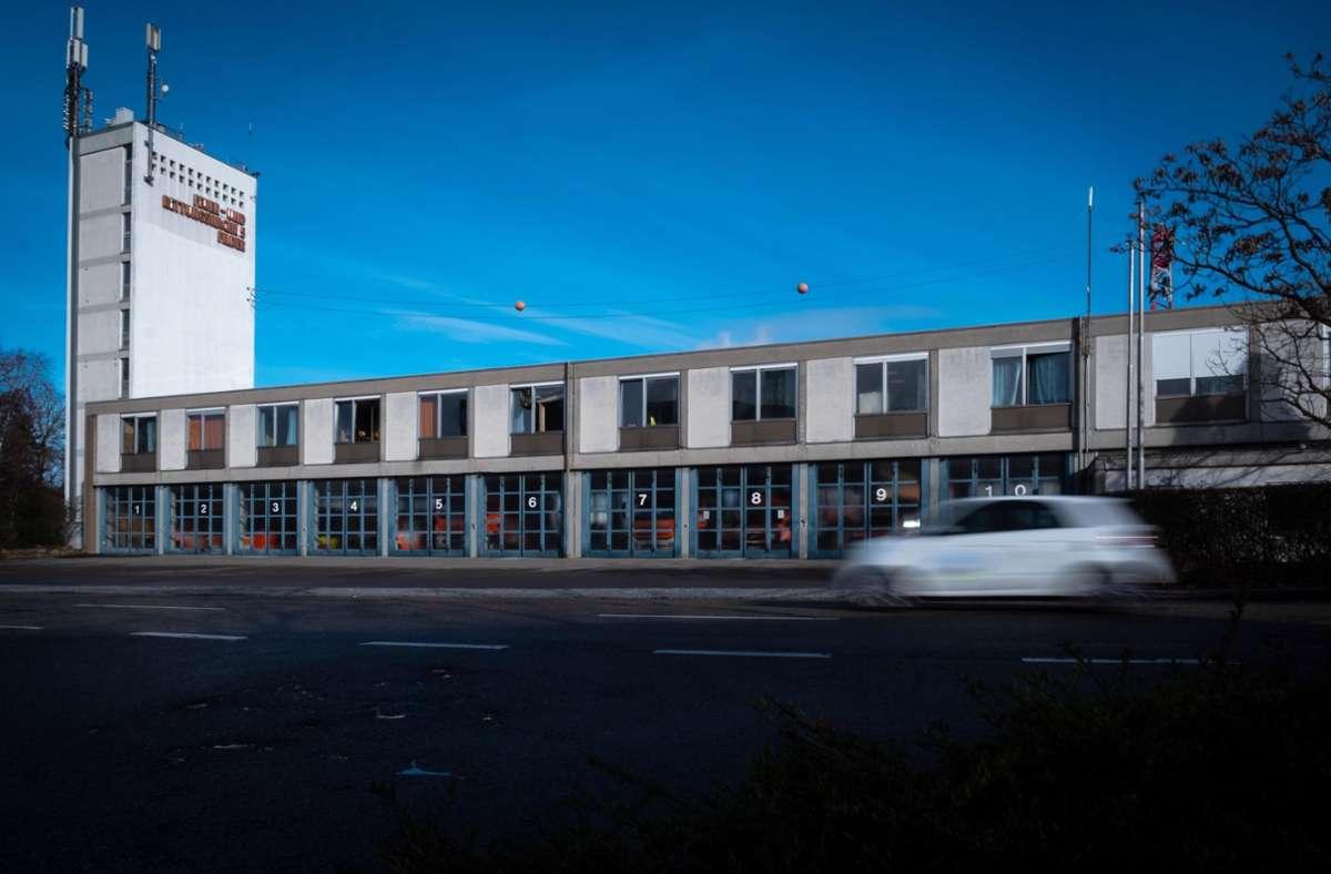 Das Gebäude der Feuerwache 5 in Degerloch wird für einen AWS-Betriebshof abgerissen. Foto: Lichtgut/Achim Zweygarth