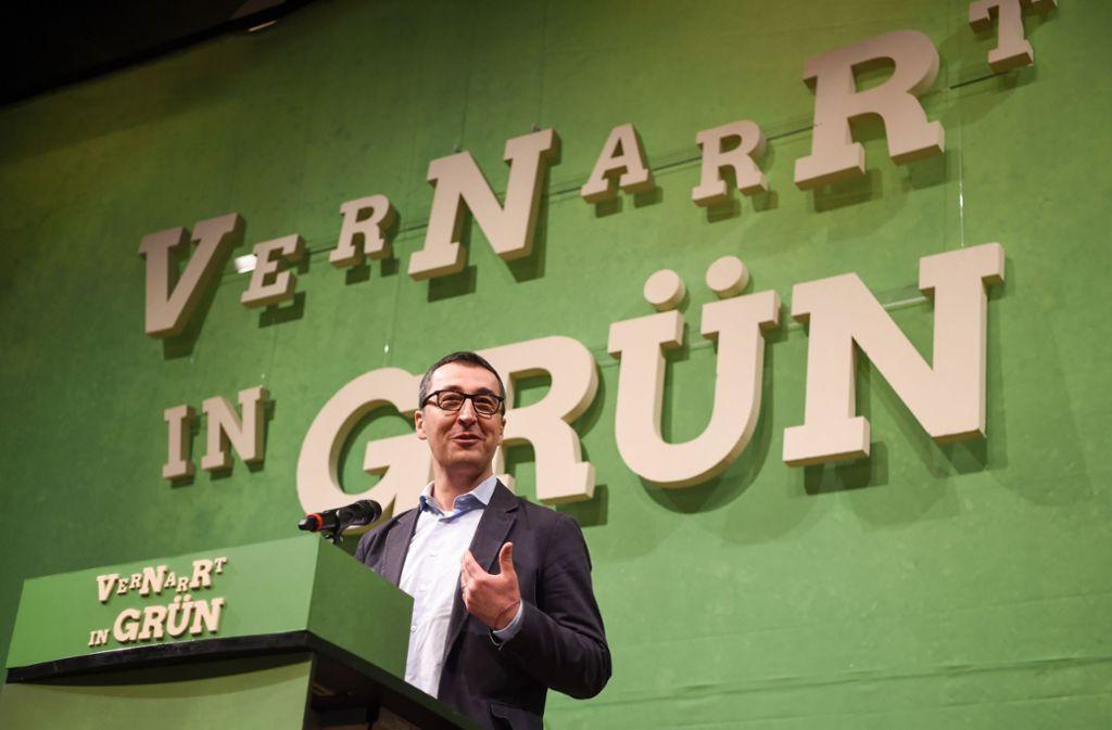 Cem Özdemir ist seit 1981 Mitglied der Partei Bündnis 90/Die Grünen. Er war bis 2018 zehn Jahre lang Bundervorsitzender der Partei und zog 2017 erneut für den Wahlkreis Stuttgart I in den Bundestag ein. Foto: dpa
