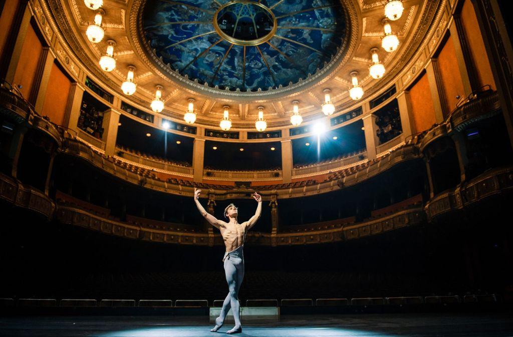 So sehen Gewinner aus: Friedemann Vogel im Stuttgarter Opernhaus. Foto: /Roman Novitzky