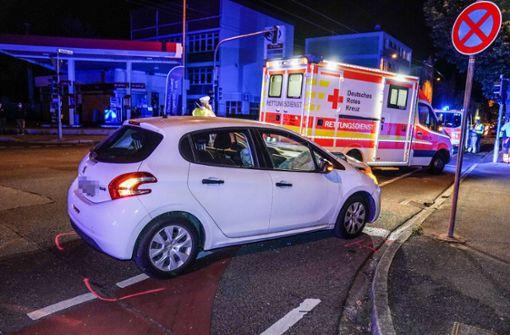 Zwei Frauen bei heftigem Zusammenstoß auf Kreuzung verletzt