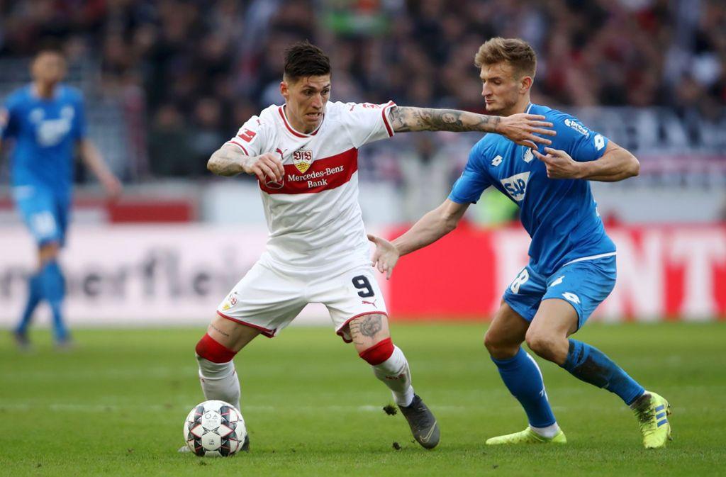 Steven Zuber schießt für den VfB Stuttgart gegen die TSG Hoffenheim den wichtigen Ausgleich – und jubelt. Foto: Bongarts