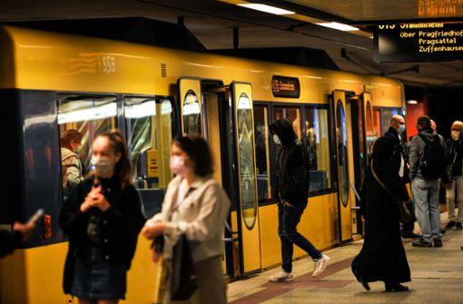 Frei Fahrt für Maskenmuffel? Ministerium sieht kein Problem