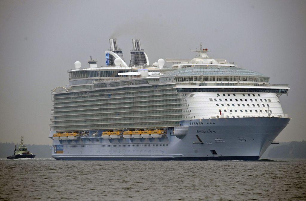 """Ort des Zwischenfalls: Das drittgrößte Kreuzfahrtschiff der Welt """"Allure of the Seas"""" Foto: dpa/Markku Ojala"""