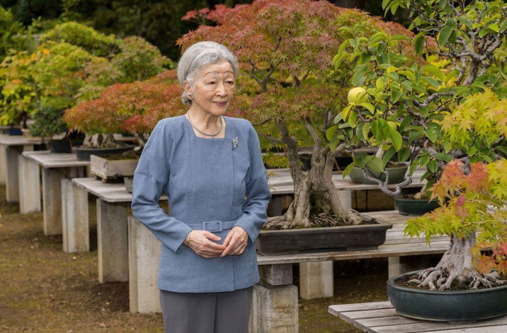 Kaiserin Michiko im Kaiserpalast von Tokio: Das Foto wurde vom Hof am 20. Oktober 2017 anlässlich ihres 83. Geburtstags veröffentlicht. Foto: AFP