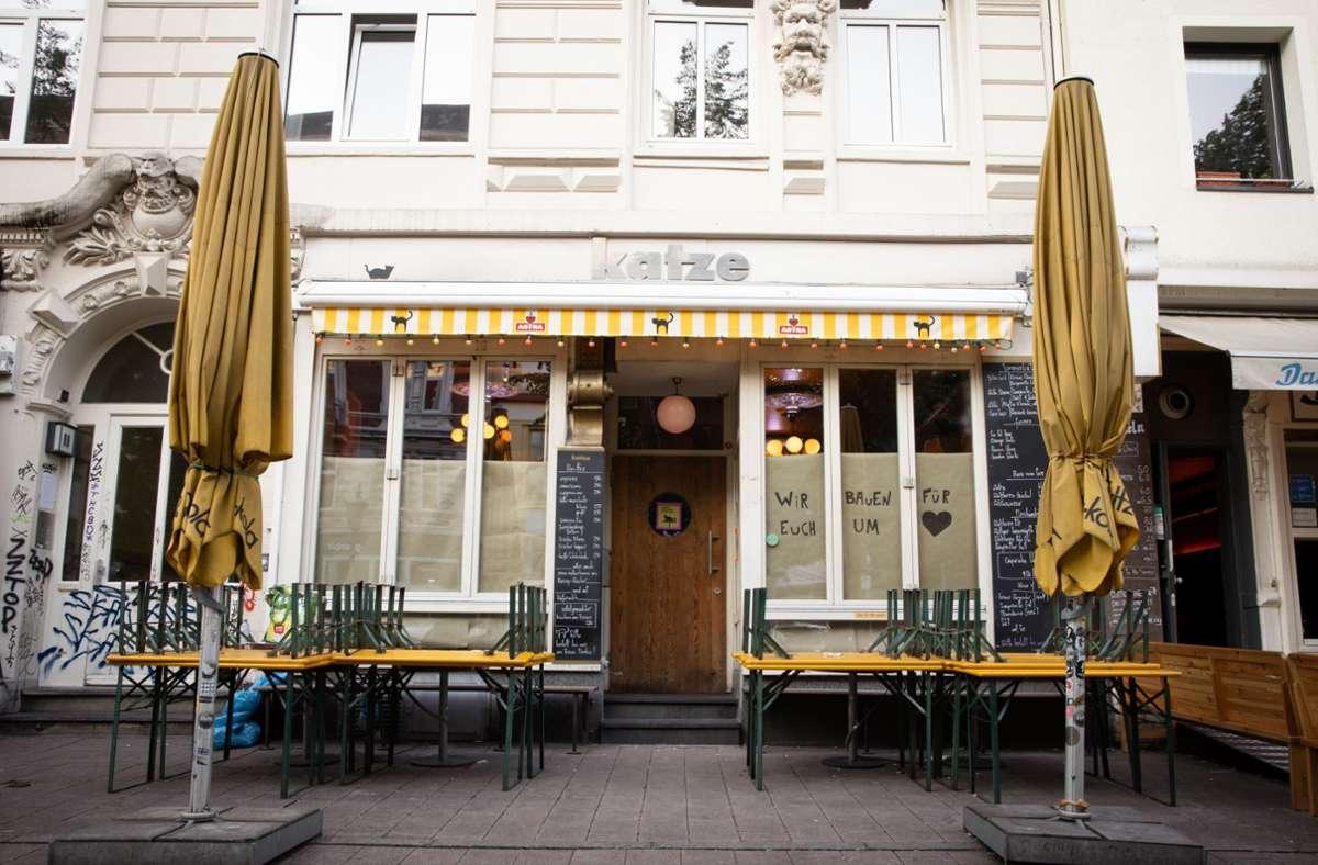 """Die meisten Besucher der Bar """"Katze"""" in Hamburg wurden nach dem Corona-Ausbruch bereits informiert. Foto: dpa/Christian Charisius"""