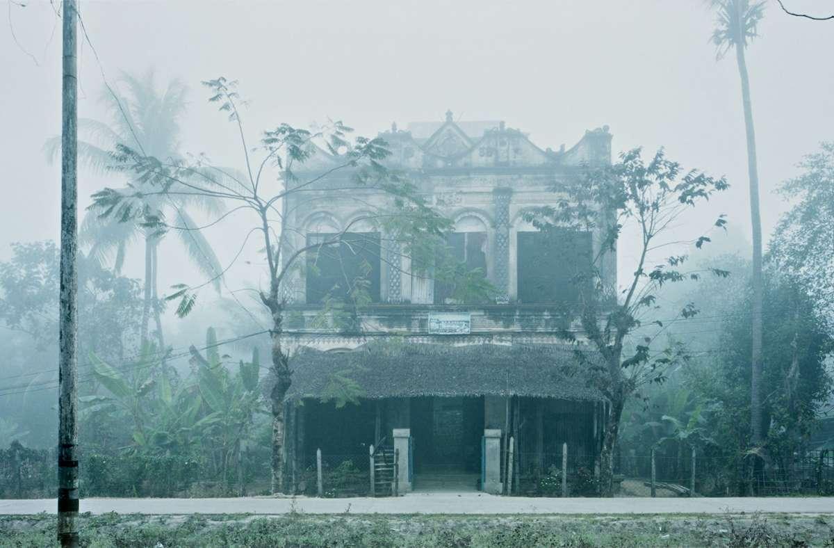 Beatrice Minda fotografierte in Myanmar die ältesten, heute noch bewohnten Häuser aus der britischen Kolonialzeit und deren Innenleben. Foto: /Beatrice Minda