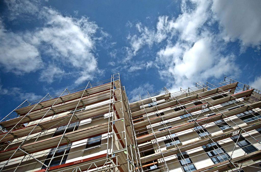 Die SPD-Fraktion im Rathaus will den geförderten Wohnungsbau ankurbeln und schlägt vor, städtischen Grundstücke nur noch in Erbpacht zu vergeben. Foto: dpa