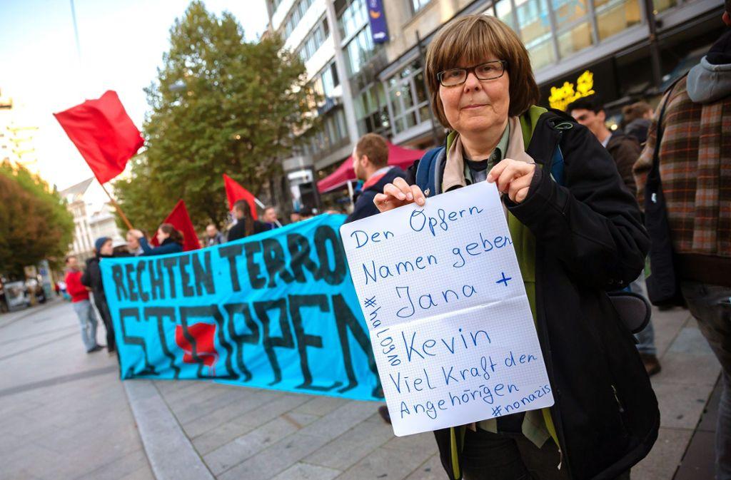 Rund 200 Menschen haben sich an der kurzfristig angesetzten Kundgebung beteiligt. Foto: Lichtgut/Julian Rettig