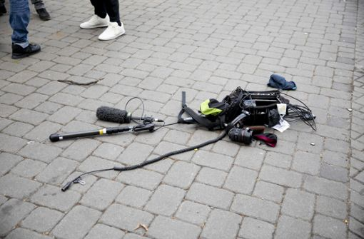 ZDF-Kamerateam angegriffen - Polizei: Verletzte in Klinik