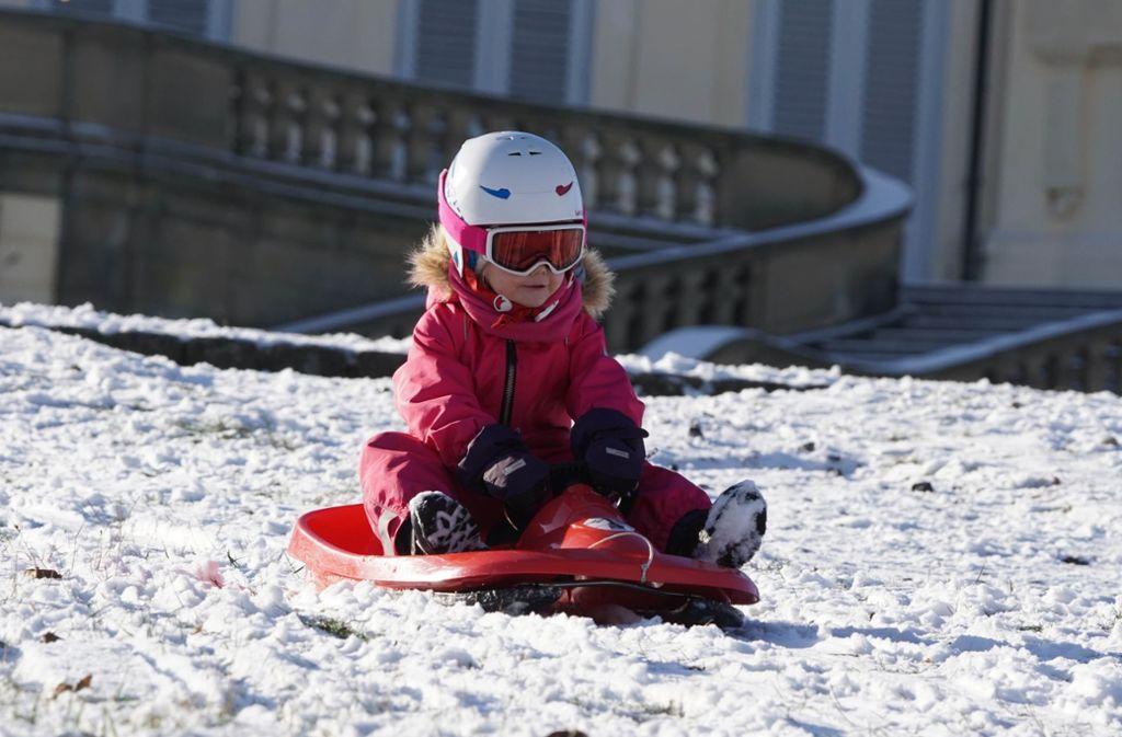 Der erste Schnee ist nicht für Kinder etwas ganz Besonderes. Foto: Andreas Rosar Fotoagentur-Stuttg