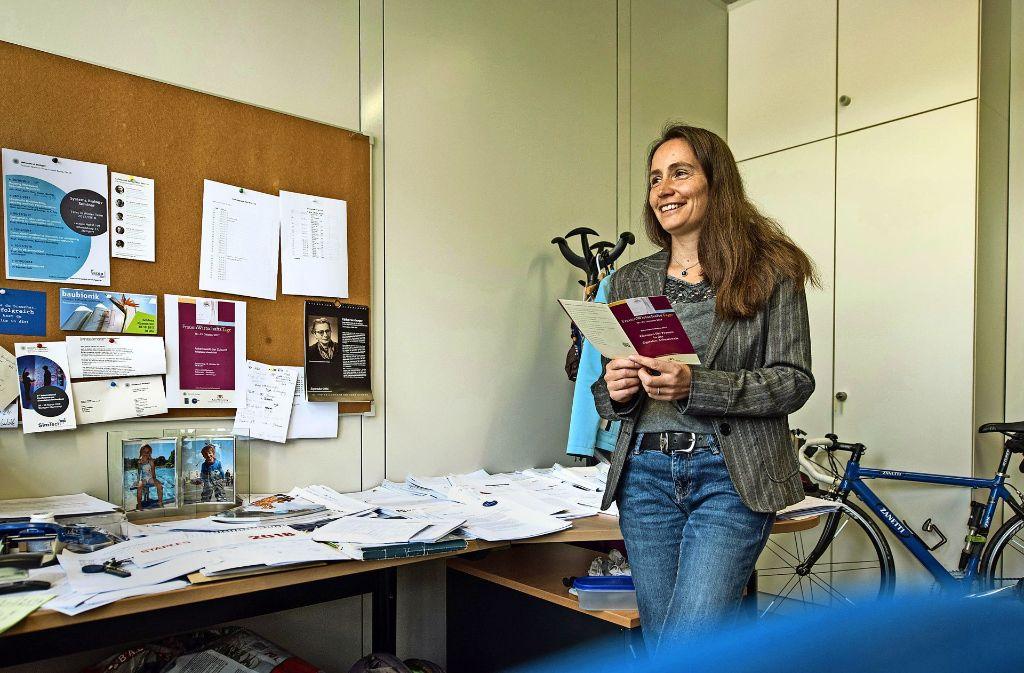 Bei Nicole Radde hat alles seinen Platz. Die Professorin für Systemtheorie in der Systembiologie ist neuerdings auch Gleichstellungsbeauftragte der Uni Stuttgart. Foto: Lichtgut/Kovalenko