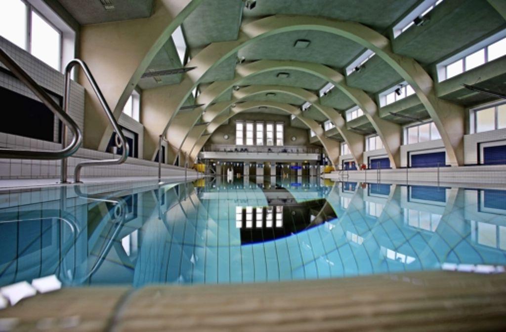 Das Bad ist bereits 1991 saniert worden. Damals wurde das 50-Meter-Becken aufgeteilt in ein Sprung-, ein Kinder-  und ein 25-Meter-Schwimmbecken. Foto: Michael Steinert