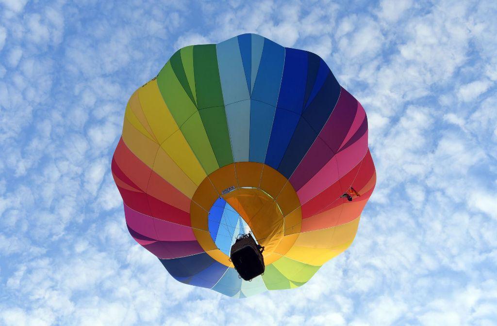 Ein echter Hingucker ist dieser Heißluftballon, der aus vielen ...