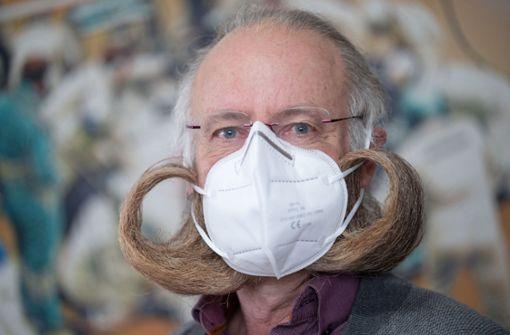 Bart-Weltmeister hat mit der Schutzmaske keine Probleme