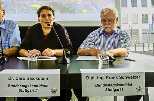 Carola Eckstein und Frank Schweizer wollen die Stimmen der S-21-Gegner bei der Bundestagswahl einsammeln. Foto: Achim Zweygarth