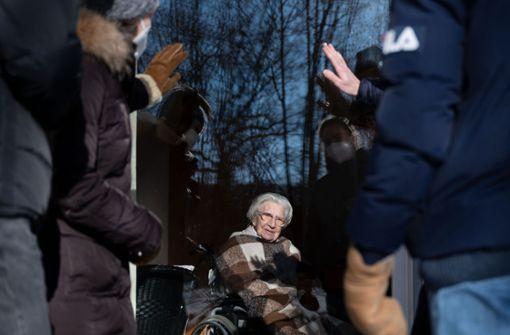 Ein Gast zum 108. Geburtstag - Oma Mina muss auf Party verzichten