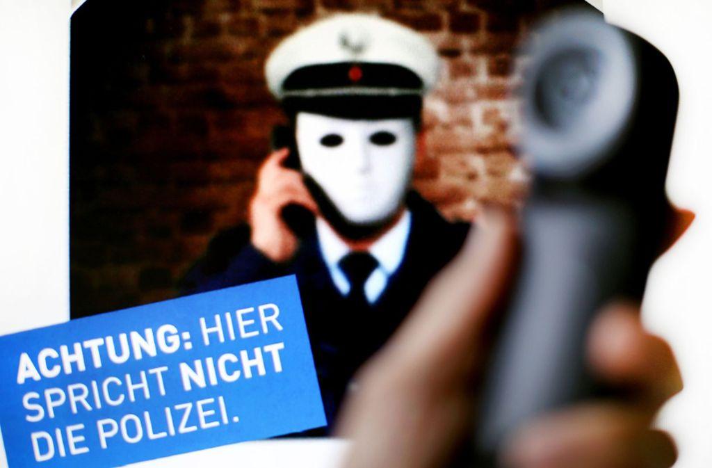 Am Sonntagabend sind der Polizei vermehrt Telefonbetrüger gemeldet worden. Foto: dpa