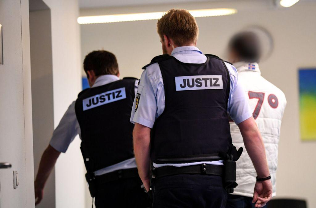Der 39-jährige Angeklagte hat die schweren Sexualstraftaten weitgehend gestanden. Foto: dpa