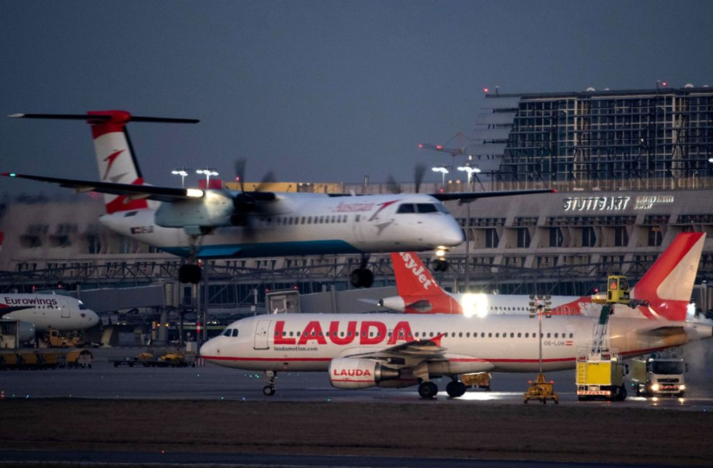 Starke österreichische Beteiligung am Flugbetrieb in Stuttgart: Lauda hat binnen eines Jahres rund 1,2 Millionen Fluggäste gewonnen. Foto: dpa/Marijan Murat