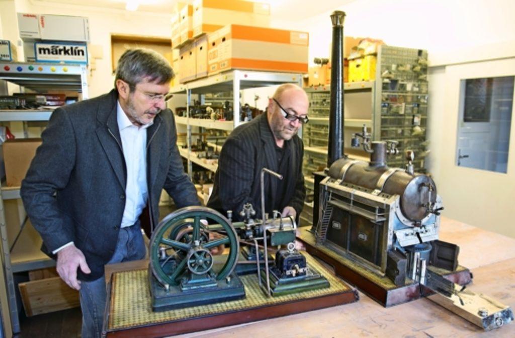 Roland Gaugele (links ) und Georg Grupp stehen bereits unter Dampf. In vier Wochen versteigern sie Foto: Rudel