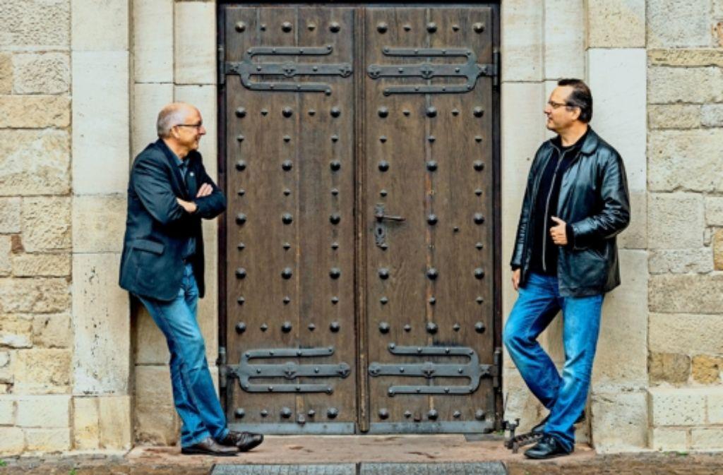 Horst Zecha (links) und Frank Martin Widmaier sind die Biennnale-Macher. Foto: factum