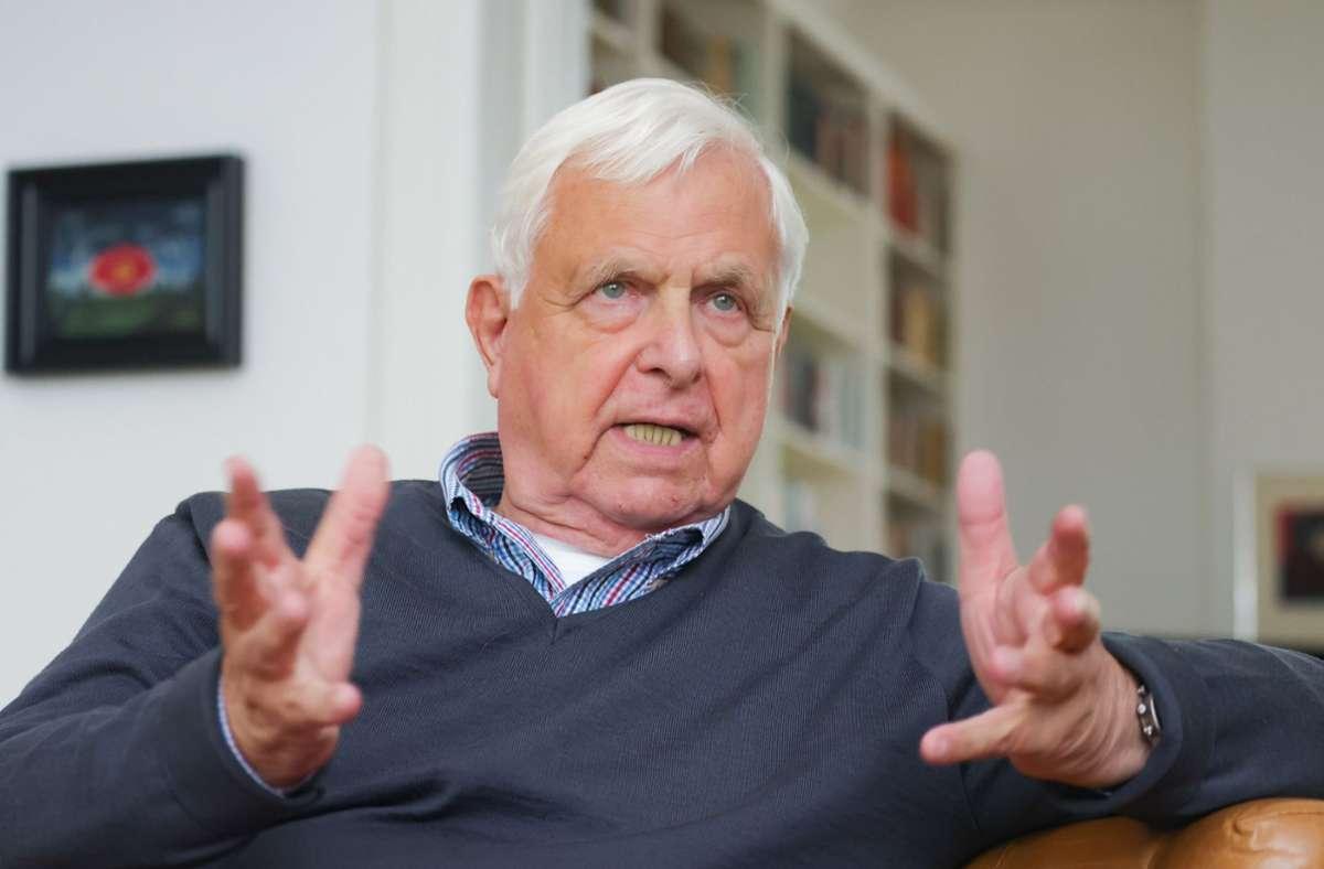 Politikjournalist und Fernsehmoderator Heiner Bremer. Foto: dpa/Ulrich Perrey