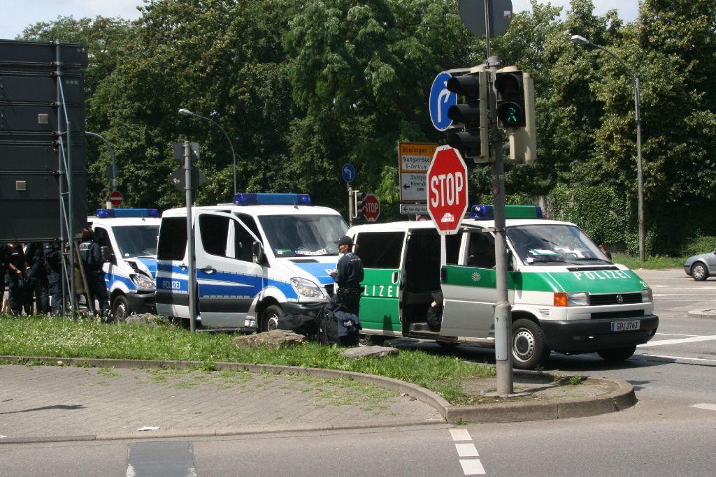 Bei dem Auffahrunfall in Stuttgart ist am Freitag ein Sachschaden von mehr als 20.000 Euro entstanden. Foto: Volker Kümmel