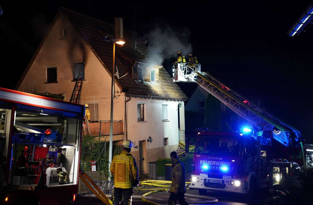 Drei Personen wurde bei dem Brand verletzt. Foto: SDMG/Kohls