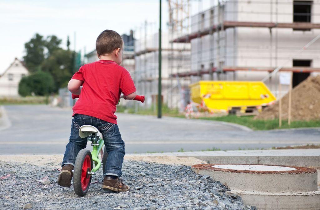 Mit dem Laufrad kann man schon mal auf Tour gehen. Foto: Miredi/Adobe Stock
