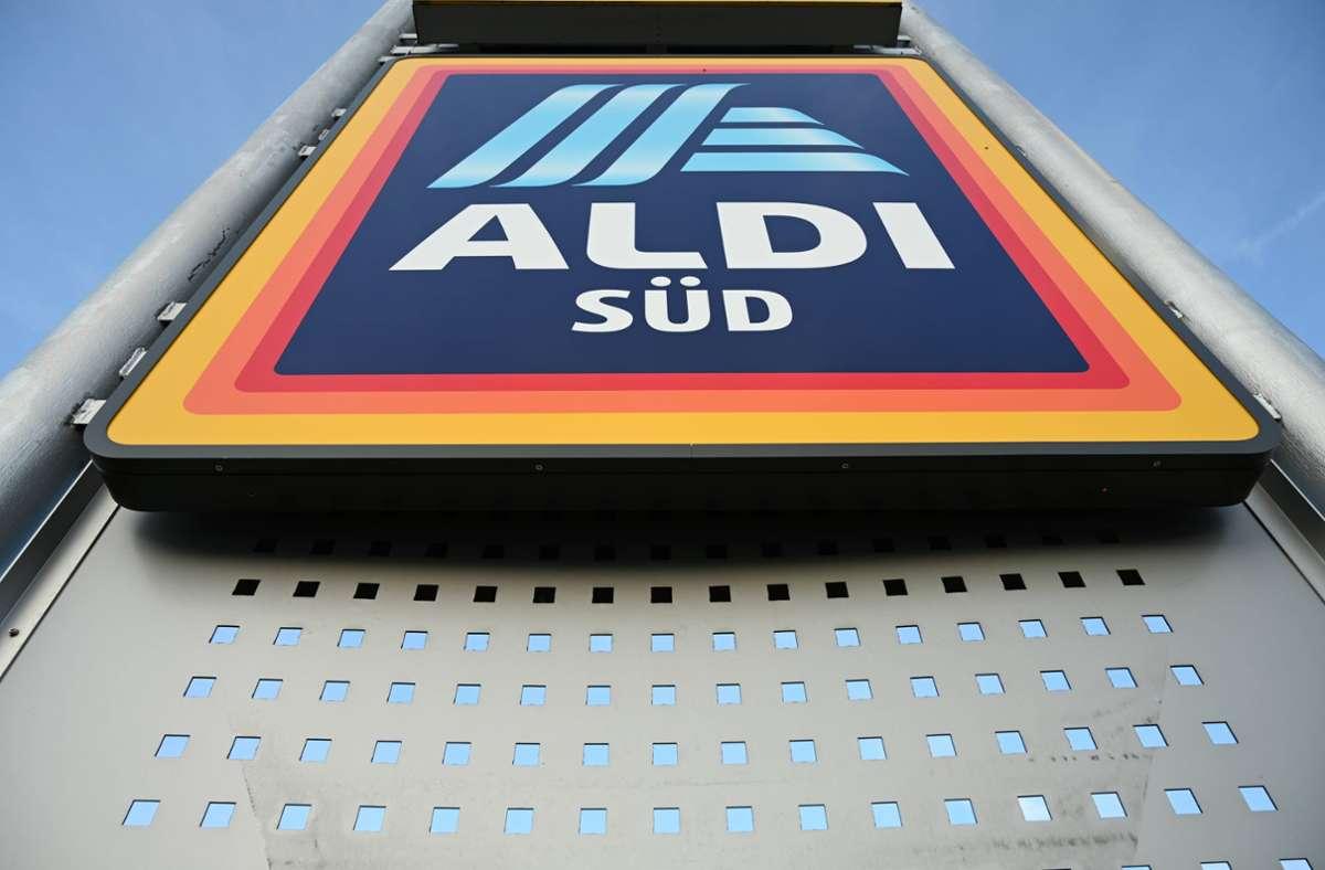 Der betroffene Käse wird bei Aldi angeboten. Foto: imago images/Petra Schneider