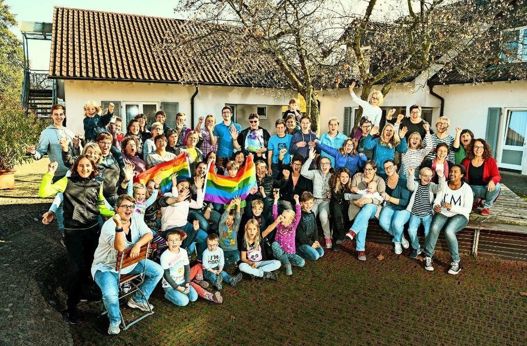 Zu Gast  im Feriendorf Langenargen: Schwule, Lesben und deren Kinder haben eine Woche lang erlebt, wie gut es tut, mal nicht in der Minderheit zu sein. Foto: Felix Kästle