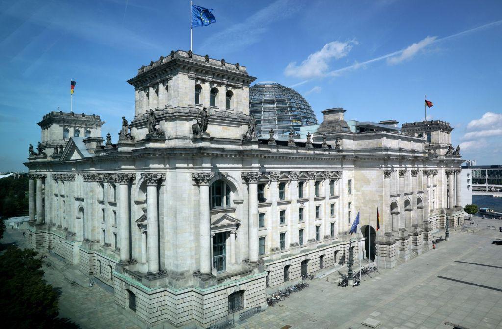 Der Berliner Reichstag zählt zu den herausragenden touristischen Attraktionen in der Hauptstadt. Foto: dpa