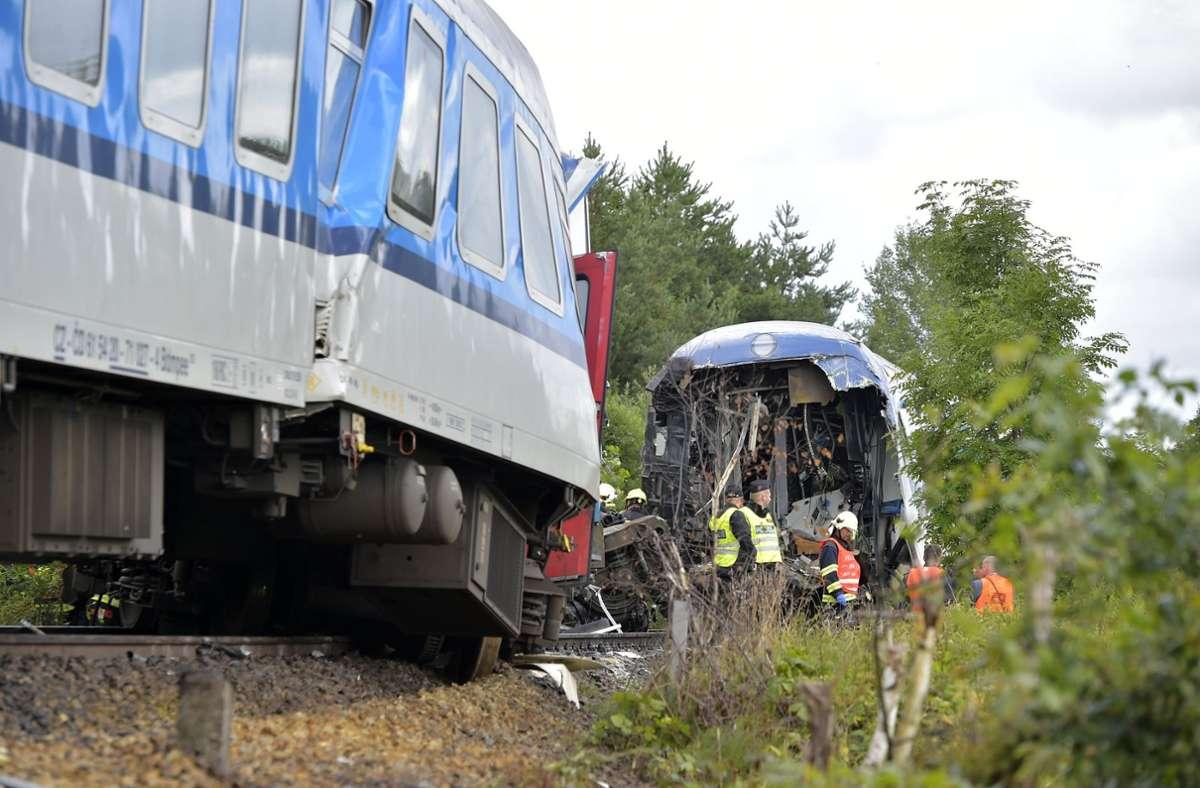 Ein aus München kommender Expresszug ist am Mittwochmorgen in Tschechien mit einem Personenzug zusammengestoßen. Foto: dpa/Chaloupka Miroslav