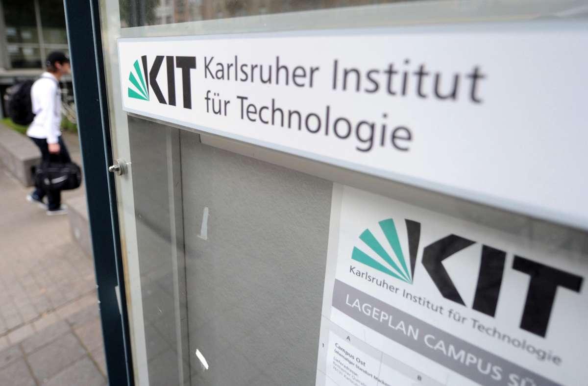 """Durch den neuen  Luftreiniger """"Aerobuster"""" aus dem Karlsruher Institut für Technologie  sollen fast 100 Prozent der Viren in der Luft entfernt werden. Foto: dpa/Uli Deck"""