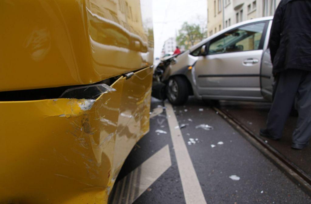 In Stuttgart-Ost ist es zu einem Stadtbahnunfall gekommen. Foto: 7aktuell.de/Andreas Werner