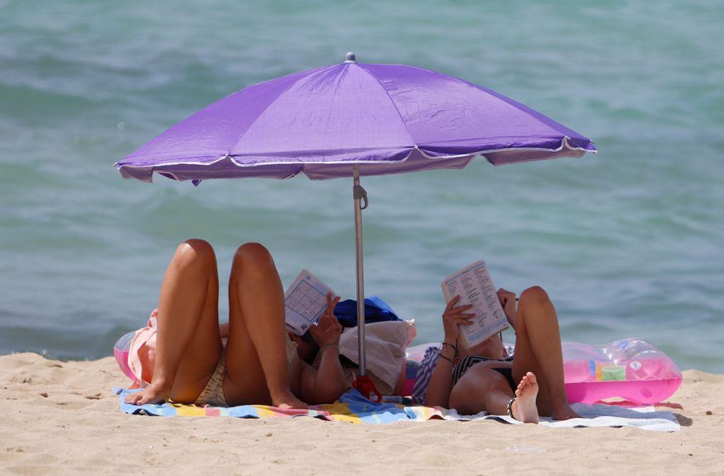 Strandurlaub ist weiterhin in: Im vergangenen Sommer ging die Reise vor allem ans Mittelmeer. Foto: dpa/Clara Margais