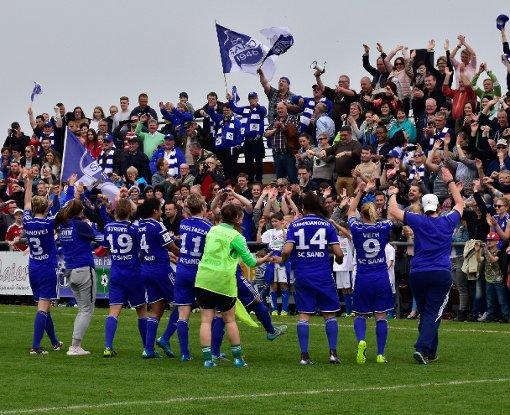 Fußball-Frauen schaffen Pokal-Sensation