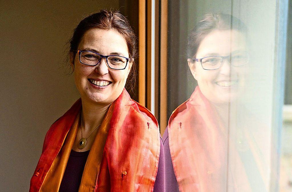 Die Theologin Hélène Eichrodt-Kessel ist gebürtige Französin. An der Uni  in Vaihingen hat sie nun mit vielen internationalen Studierenden zu tun. Foto: privat