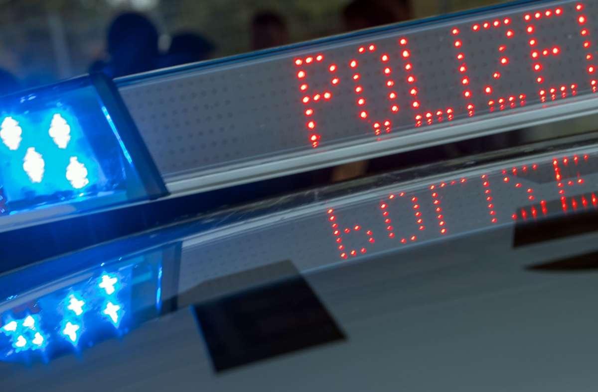 Durch den Unfall gab es im Berufsverkehr Verkehrsbehinderungen (Symbolbild). Foto: dpa/Jens Büttner