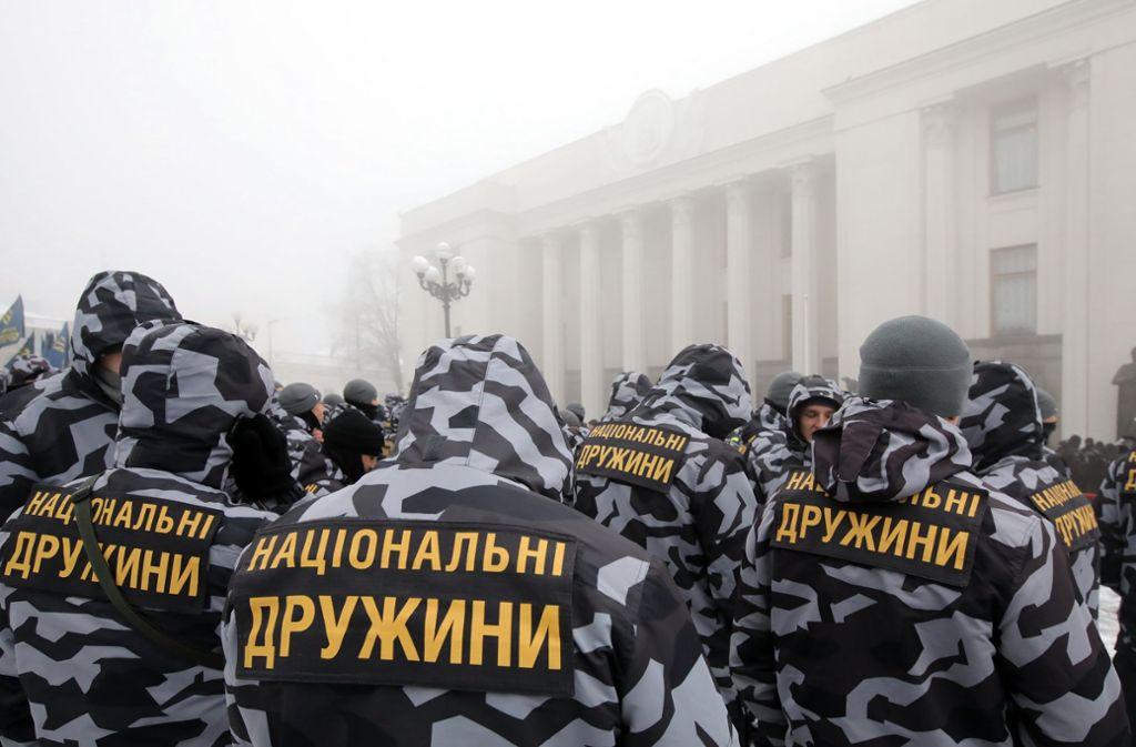 Mitglieder der Natoinalen Miliz im Zentrum Kiews. Mit dem Ausruf des Kriegsrechts wurde ihrem Willen stattgegeben. Foto: Ukrinform