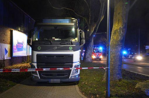 Das heftige Ausmaß der Lkw-Chaosfahrt durch Untertürkheim