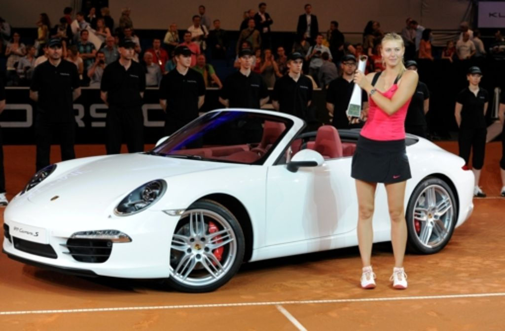 Die russische Tennisspielerin Maria Scharapowa nach dem gewonnenen Finale des WTA-Turniers in Stuttgart im Jahr 2012. Foto: dpa