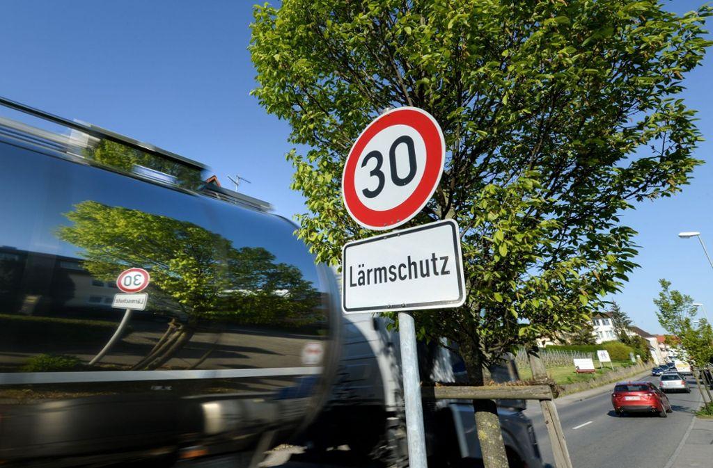 Die Lärmbelastung durch Straßenverkehr sollte tagsüber nicht mehr als 53 Dezibel im Durchschnitt betragen. (Symbolbild) Foto: dpa