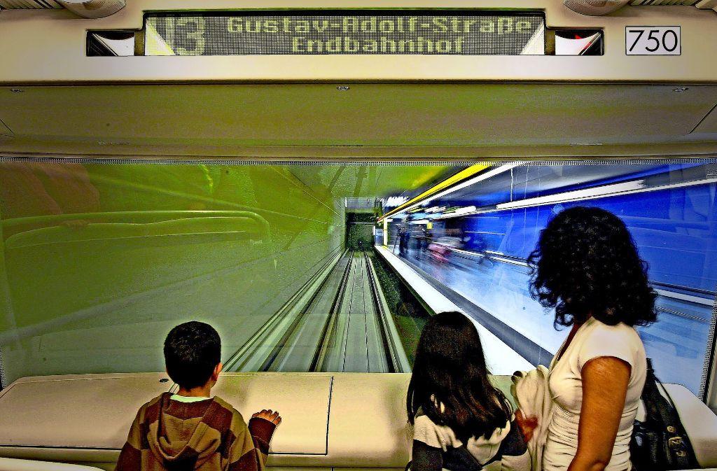 Bei Touristen beliebt: in Nürnberg verkehren zwei U-Bahn-Linien ganz ohne Fahrer Foto: dpa