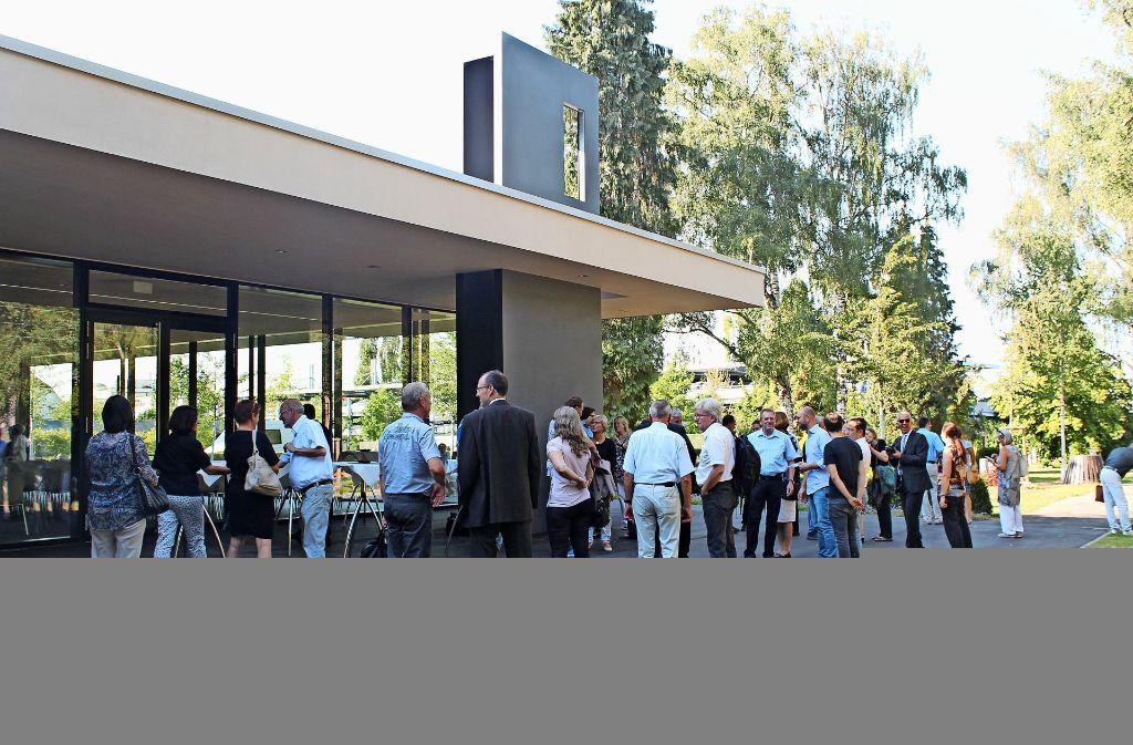 Mitte September 2016 wurde die neue Aussegnungshalle auf dem Echterdinger Friedhof mit einer Feier offiziell in Betrieb genommen. Foto: Archiv Sabine Schwieder