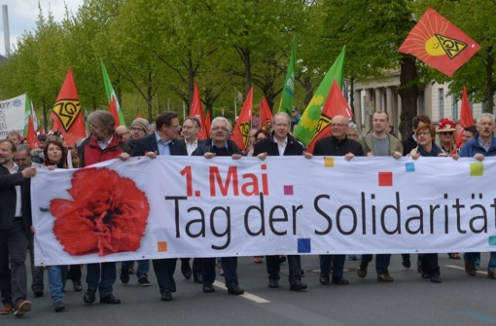 Nicht immer geht es zwischen DGB-Gewerkschaften sehr solidarisch zu – mitunter dominiert in den Betrieben ein beinharter Wettbewerb um die Mitglieder. Foto: dpa